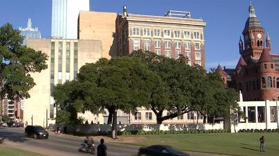 Dealy Plaza w Old Red Courthouse