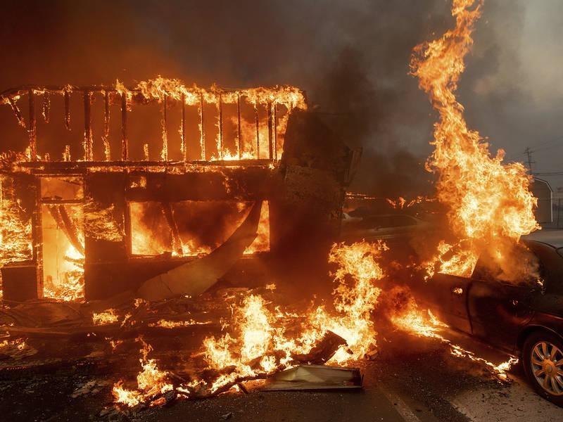 Mangan, house aflame