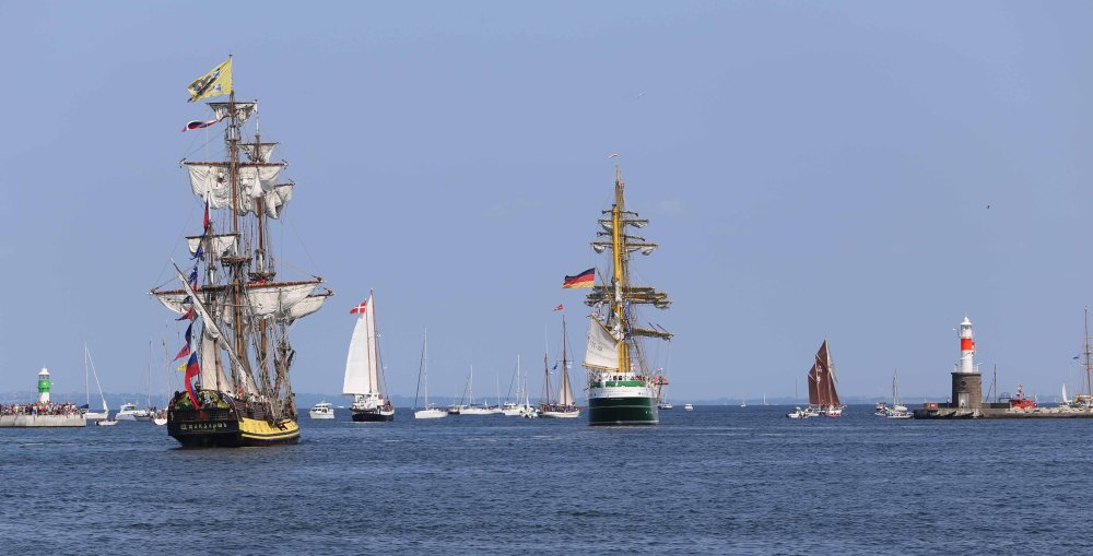 tall-ships-sail-out-part