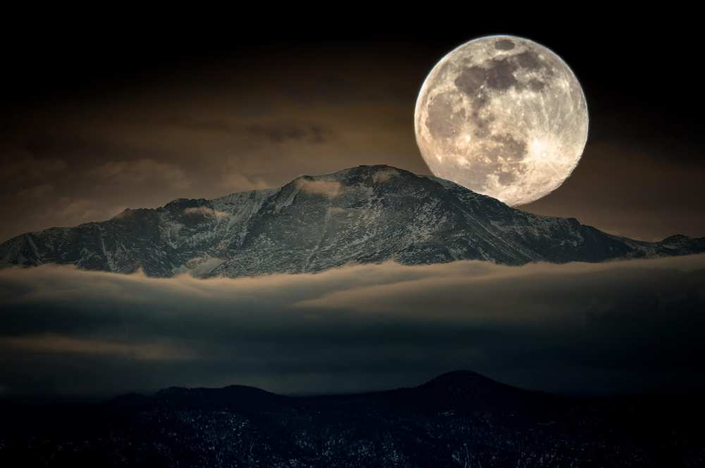 Pikes Peak Super Moon